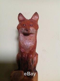 Marche En Bois Vintage Et Bâton De Randonnée Avec Wolf Bois Sculpté Figure 58