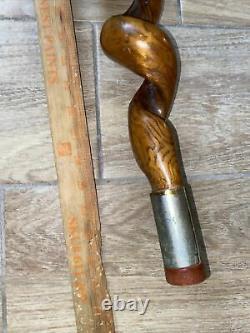 Rare Vtg Thick Vine Twisted Bâton De Marche En Bois Avec Handle Métal Trim