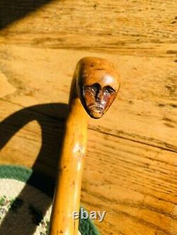 Vintage Hand Carved Head Bâton De Marche En Bois Canne Folk Art Primitive Vulva
