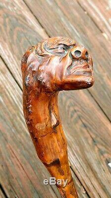 Vtg Art Populaire En Bois Bâton Vieil Homme Grotesque Visage Sculpté À La Main Canne Effrayant